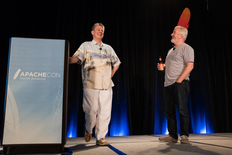 20170517_the-linux-foundation_apachecon-2017_miami_florida-352_34355046610_o.jpg