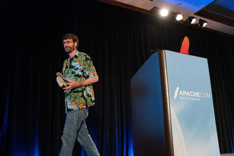 20170517_the-linux-foundation_apachecon-2017_miami_florida-340_34699616976_o.jpg