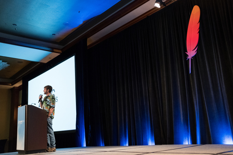 20170517_the-linux-foundation_apachecon-2017_miami_florida-332_34577537682_o.jpg
