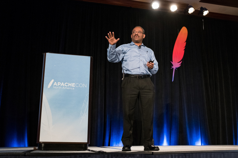 20170517_the-linux-foundation_apachecon-2017_miami_florida-246_34739686425_o.jpg