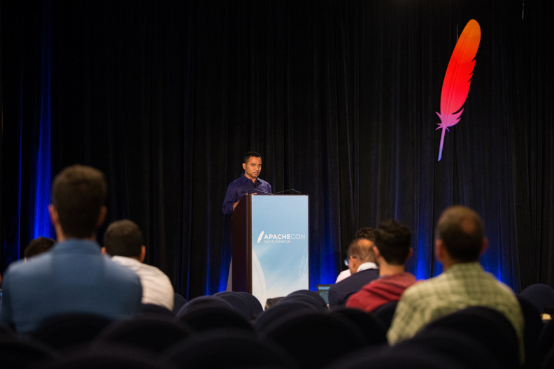 20170517_the-linux-foundation_apachecon-2017_miami_florida-211_34699682706_o.jpg