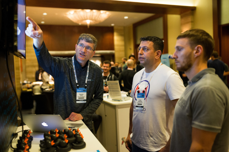 20170516_the-linux-foundation_apachecon-2017_miami_florida-425_34608064421_o.jpg