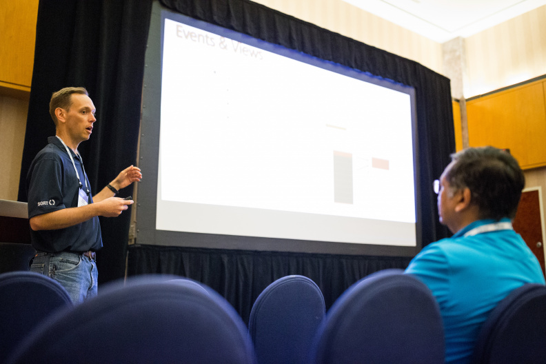 20170516_the-linux-foundation_apachecon-2017_miami_florida-332_33897179864_o.jpg