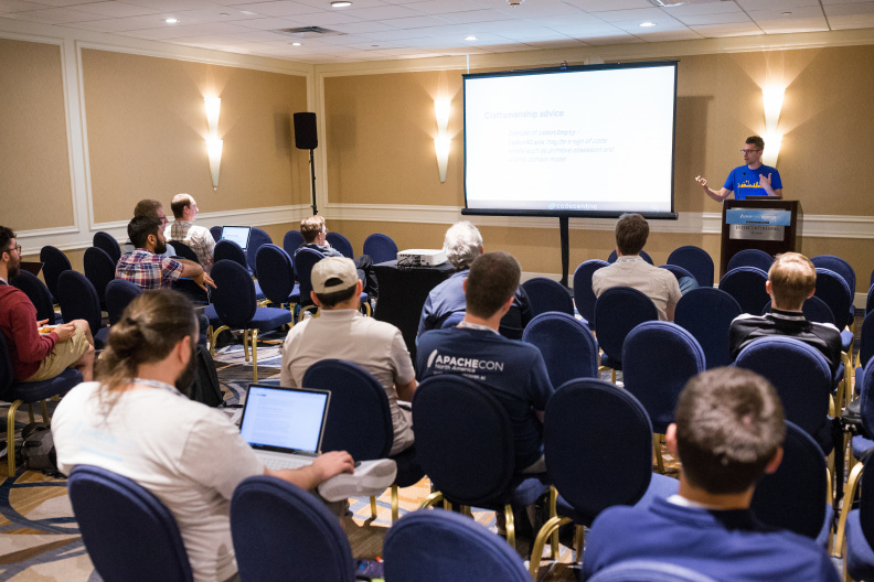 20170516_the-linux-foundation_apachecon-2017_miami_florida-322_33897194624_o.jpg