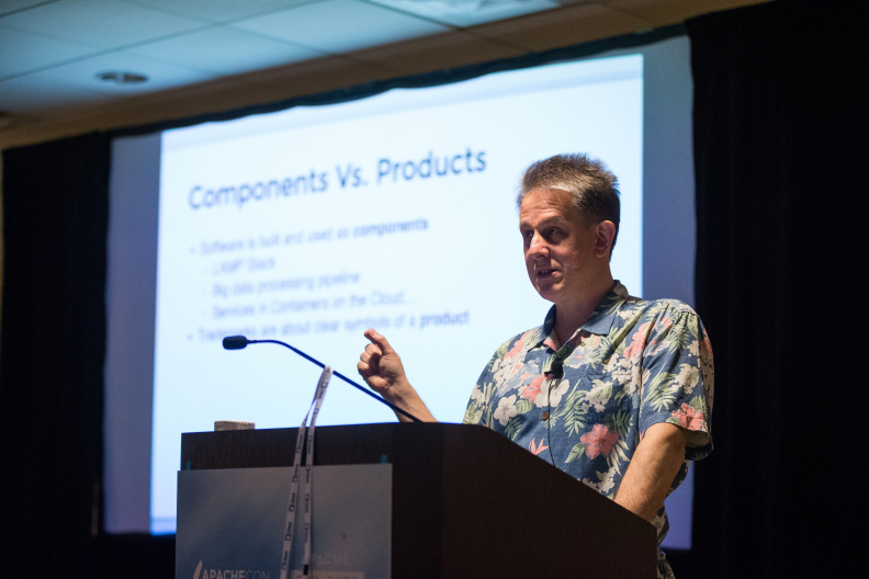 20170516_the-linux-foundation_apachecon-2017_miami_florida-317_33897201094_o.jpg