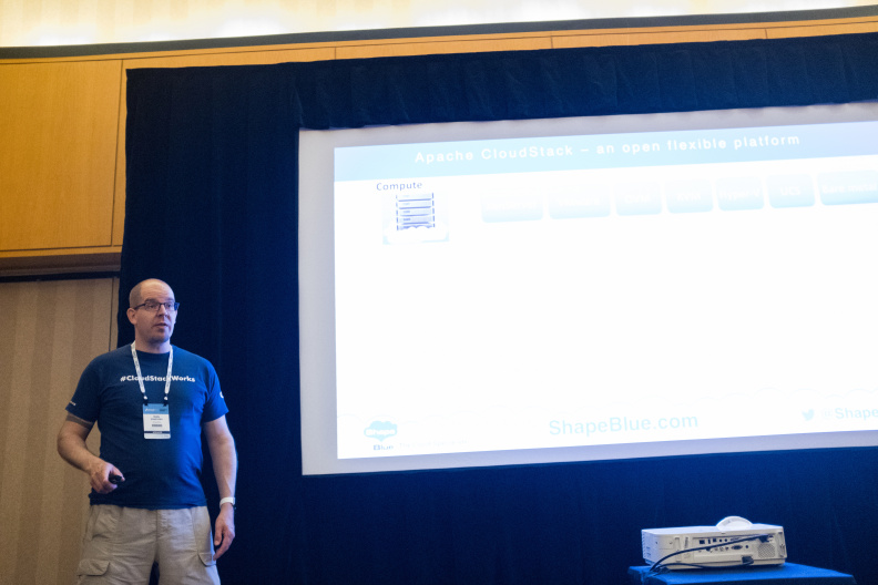 20170516_the-linux-foundation_apachecon-2017_miami_florida-289_34659946746_o.jpg