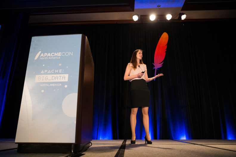 20170516_the-linux-foundation_apachecon-2017_miami_florida-092_34315861290_o.jpg