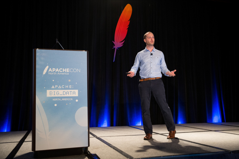 20170516_the-linux-foundation_apachecon-2017_miami_florida-064_34659892096_o.jpg