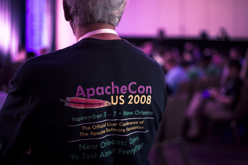 apachecon-2015_tue_morning_img_9951_17157196741_o.jpg