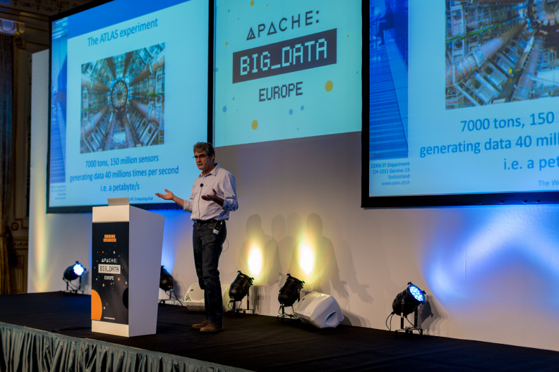apache-big-data-europe-2015_21669764680_o.jpg