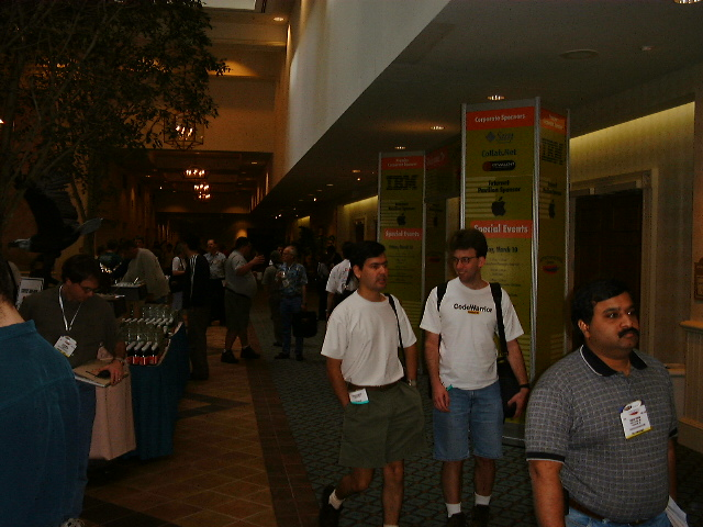 apachecon-2001-exhibition_63906811_o.jpg